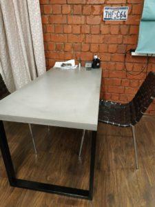 Бетонные столы